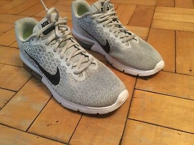 Nike Air Max Trainers Boys / Mens Size 7  In Excellent Condition