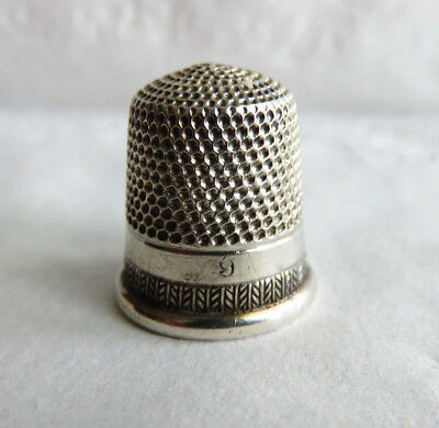 Nice Little Antique Simons Sterling Silver Sz.9  Thimble