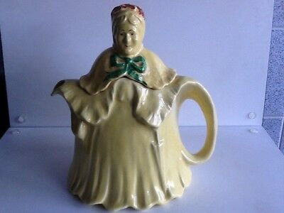 A 1930s little old lady teapot & cover by h.j. Wood  rg no 827653