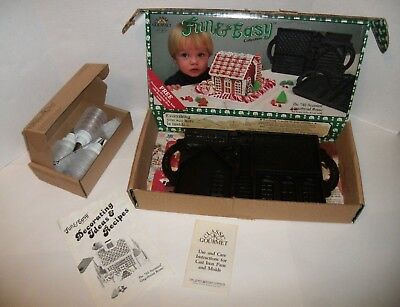 1985 John Wright Cast Iron The Gingerbread House Mold Double Sided&Pampered Chef