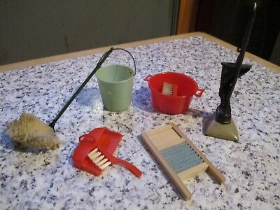 vintage* DCA  / ADDIS * DOLLS HOUSE * CLEANING ACCESSORIES - 12th scale