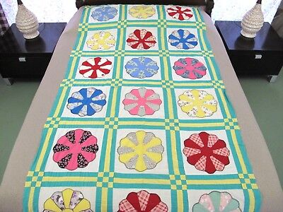 """STRIKING Vintage Hand Sewn Feed Sack Applique DRESDEN PLATE Quilt TOP 100"""" x 46"""""""
