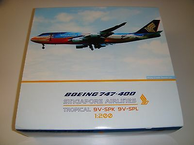 "1/200 JCWings Singapore Airlines B747-400 ""Tropical Megatop"" 9V-SPL"