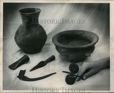 1965 Press Photo Bronze and Iron age items; Milwaukee Museum; from Budapest
