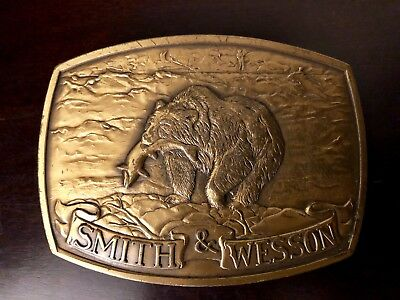 1982 Smith & Wesson Brass Belt Buckle Brown Bear North American Game Animal