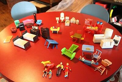 Vintage 1950s dollhouse furniture lot with family dolls