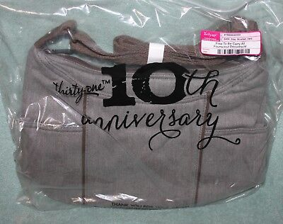 THIRTY ONE Free to Be Carry All GREY BRUSHED TWILL purse  NEW IN BAG