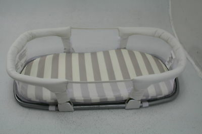 """SwaddleMe By Your Side Foldable Travel Sleeper 33""""L x 14.5""""W x 11""""H LIKE NEW"""