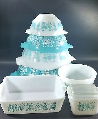 PYREX Vintage Amish Butterprint White & Turquoise Nesting Mixing Bowls Lot