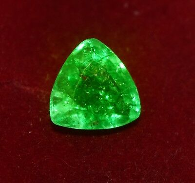 GGL Certified Natural Green Emerald, 6.60 cts Trillion shape Zambian Gem