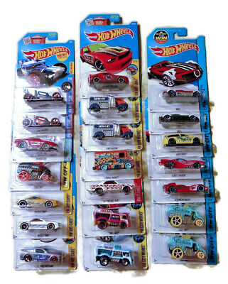 Hot Wheels HW City Race Team Art Cars Tooned Off-Road City Works Flames 21 Items