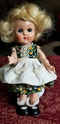 DARLING VINTAGE VOGUE GINNY DOLL w/ TAGGED DRESS & SHOES BENT KNEE WALKER !