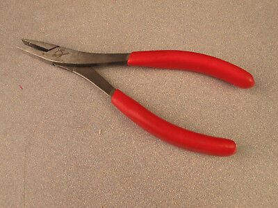 Snap-On 61ACP Duck Bill Pliers Red Handle Measuring 7-7/8'' Long