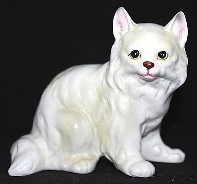 """VINTAGE Handpainted White Porcelain Persian Kitty Cat, JAPAN, 4"""" Tall AS IS"""