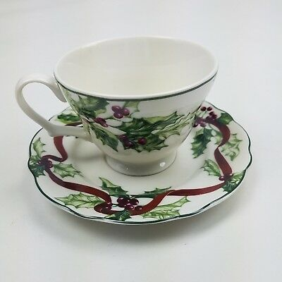 Charter Club Winter Garland Cup Saucer Berries Holiday Christmas 1998 Retired