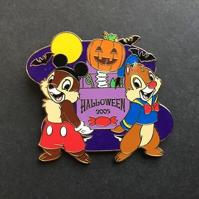 JDS - Halloween 2005 Chip n Dale as Mickey & Donald LE 1600 Disney Pin 41975