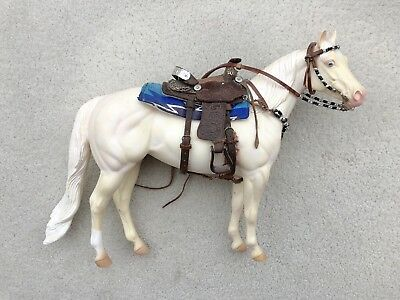 Top LSQ Breyer Horse Traditional Accessory Western Saddle Set Bosal Toots Geyer