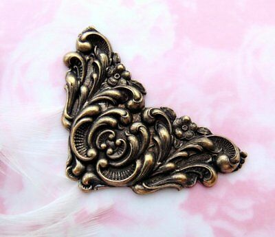 ANTIQUE BRASS Flower Flourish Scroll CORNER Stampings ~ Finding (CB-3078)
