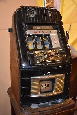Antique Art Deco Mills 5 cent Nickel Slot Machine 1940's Gambling Casino