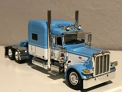 "Dcp 1/64 Peterbilt 389 70"" Blue & White W/ 300"" Frame (5 5/8"" Long)"