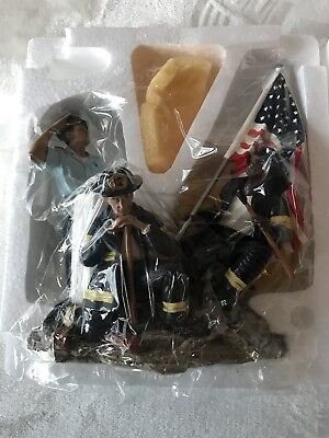 """Home Interiors """"A Pocket Full of Hope"""" 2002 Heroes Salute 9/11 Sept 11 Statue"""
