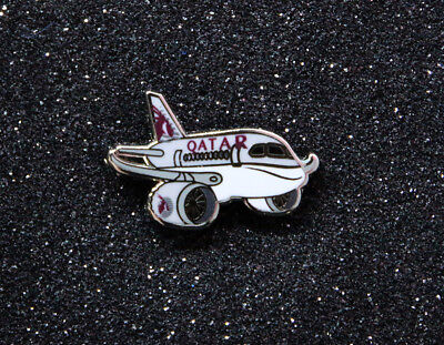 Pin QATAR AIRWAYS Dreamliner chubby pudgy Boeing 787 1 inch metal Pin  B787