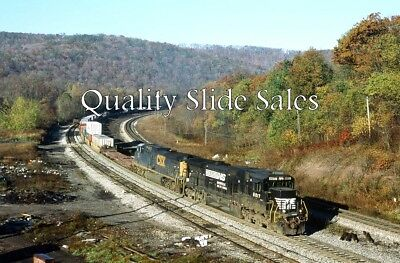 A64669 Orig. Slide NS 8817 On CSX Train Sandpatch, Pa on 10-20-03