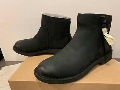 bae48e2317b UGG REA ANKLE Boot Black Leather Zip Women's Size 8.5 NEW IN BOX
