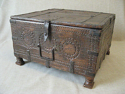 17th Century INDIAN SPICE BOX  /  Carved Oak with Iron Fittings