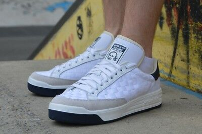 hot sale online 97a22 6b8f4 Adidas Mens Rod Laver Super Trainers Shoes White B27581 UK 6 to 11