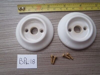 2 WHITE CERAMIC DOOR KNOB BACK PLATES 58 MM DIAMETER OLD UNUSED STOCK (BPl 18)