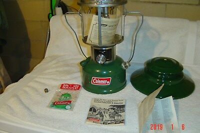 Vintage Coleman 228J Green Double Mantle 10/75 Gas Lantern Appears Unfired 1975