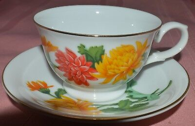November Chrysanthemum Tea Cup and Saucer Blossoms of the Month Series Avon 1991