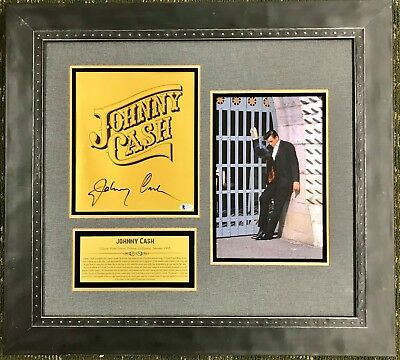 JOHNNY CASH (Country Superstar) authentic signed custom framed display-Beckett's