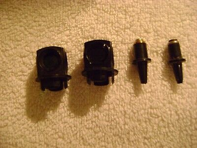 Lionel PAIR 711-151 Fixed Voltage Plugs and 711-54 Lanterns for 022 switch.