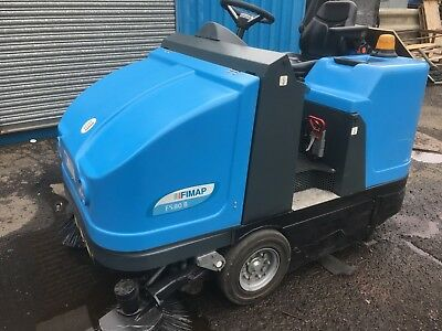 """42-44"""" Rider Sweeper Battery Powered 1 WEEK RENTAL/HIRE SCOTLAND ONLY"""