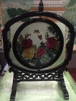 Chinese Embroidered Silk Screen butterflies and flowers with Wooden Stand & Box