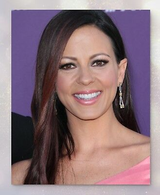20x25 Cm Approx Sara Evans Color Holding Award 8x10 Photo Moderate Price