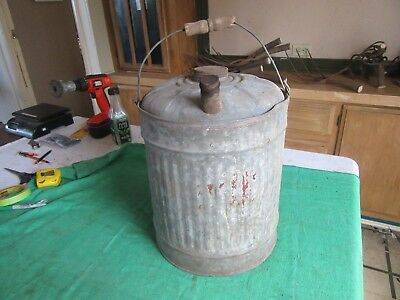 Vintage 5 Gallon Kerosene Oil Gas Can Usable Condition   Lot 18-84-3-C
