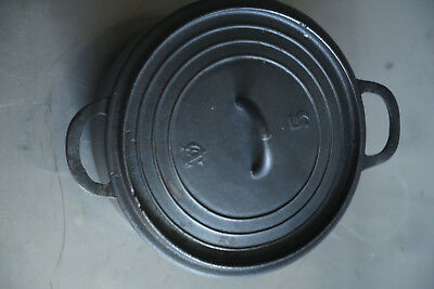 Antique Vintage Cast Iron Cooking Pot Oven W Lid Vintage French 2ltrs/ 2-quart