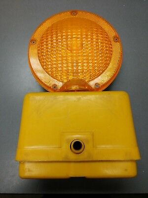 Pyralite 800 Road Construction Highway Barrier Barricade Flashing Amber Light