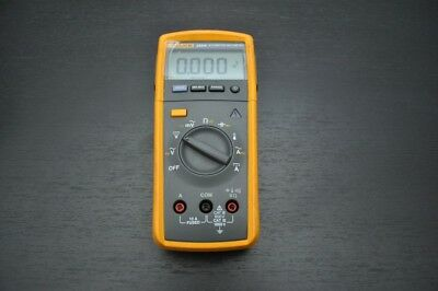 FLUKE 233 / AKIT MultiMeter Tru RMS with Removable Head and