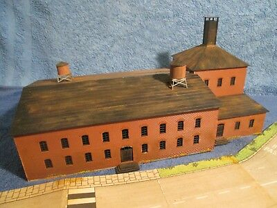 JOBLOT OO/HO RAILWAY STATION BUILDING FACTORY + ROADWAY -for Hornby etc,Spares.C