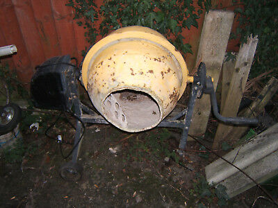 small cement mixer ideal D.I.Y.