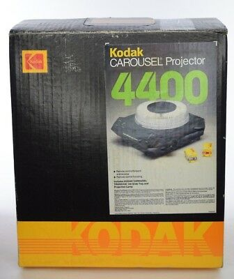 NEW Kodak Carousel 4400 Slide Projector with Remote and Lens