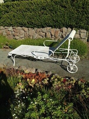 Vintage Woodard Briarwood White Wrought Iron / Metal Patio Chaise Lounge, sturdy