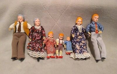VNTG Lot of 7 DOLLHOUSE DOLLS COMPLETE FAMILY CONCORD MINIATURES/CACO