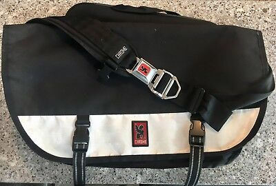 online store e5ddd 2f9a2 CHROME CITIZEN MESSENGER Bag: Black and White