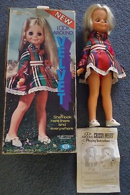 CLASSIC  VINTAGE 1970s  DOLL
