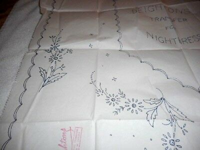 Vintage Embroidery Iron on Transfer - Deightons No. X30812 - Flowers